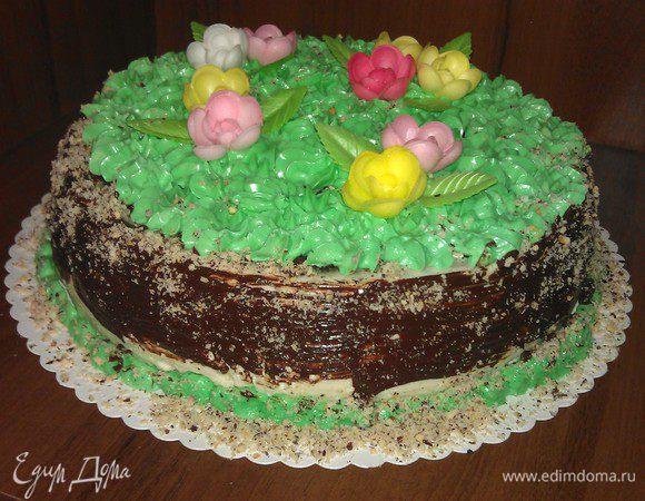 Бисквитный торт с маскарпоне и клубникой