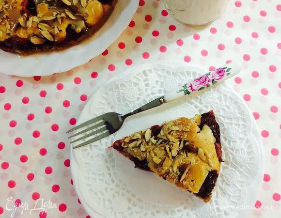 Клубнично-миндальный пирог
