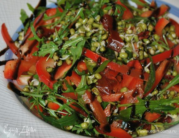 Салат с машем и вялеными помидорами