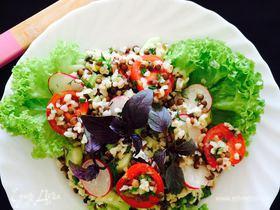 Овощной салат с булгуром и чечевицей