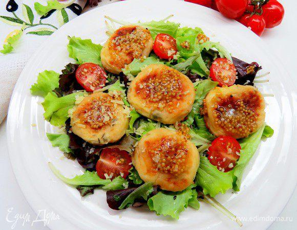 Салат с сырниками