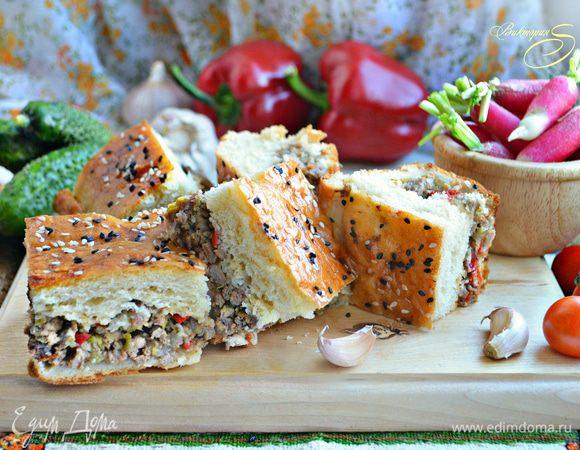 Пирог с мясом и овощами на кефирном тесте