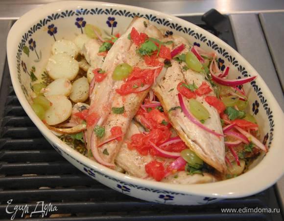 Скумбрия с картофелем под виноградным соусом
