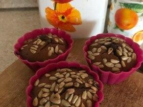 Кексы с халвой и семенами подсолнечника