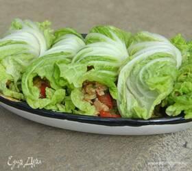 Курица в листьях салата