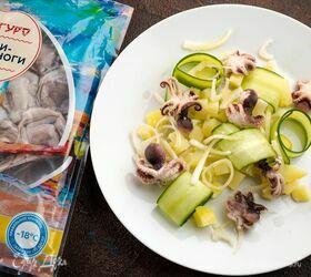 Картофельный салат с мини-осьминогами