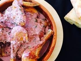 Цыпленок под соусом из ежевики