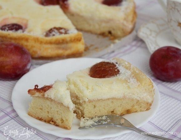 Пирог со сливой и сырным кремом