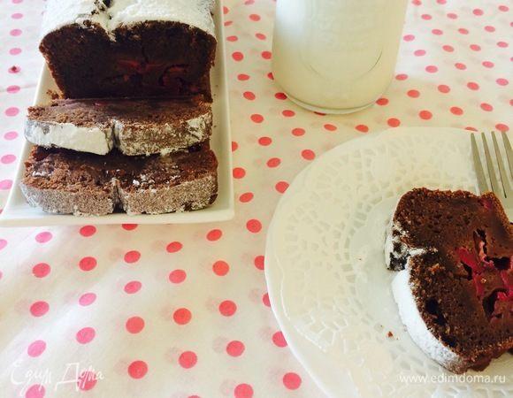 Шоколадный кекс с кизилом