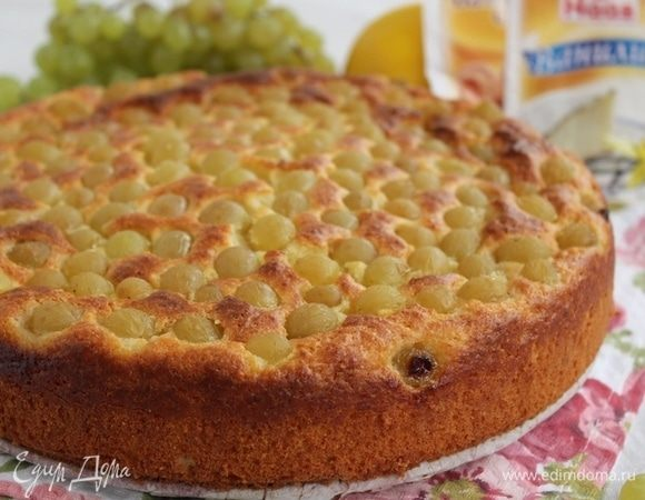 Творожный кекс с виноградом