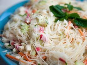 Японский салат с крабом