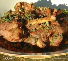 Ягнятина, томленная с нутом и овощами