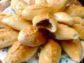 Дрожжевые пирожки с печеночно-картофельной начинкой