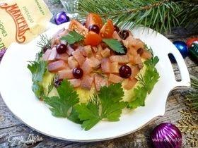 Салат с красной рыбой и рисом