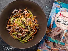 Салат с морской капустой и щупальцами кальмара