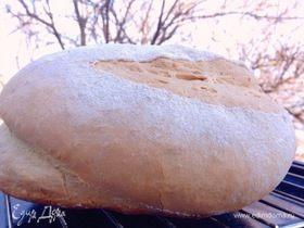 Большая пшеничная булка хлеба