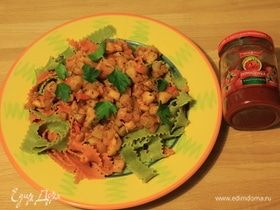 Цветные мафальдине с овощным соусом