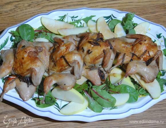 Перепелки с чили и зеленым салатом