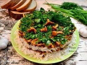 Рис с лесными лисичками