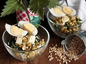 Весенний салат с горошком