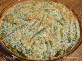 Творожный тарт с зеленым горошком, спаржей и кедровыми орехами