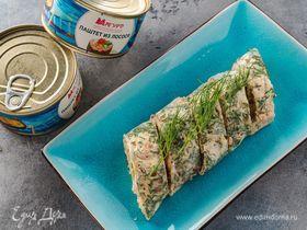 Роллы из омлета с муссом из лосося и овощами