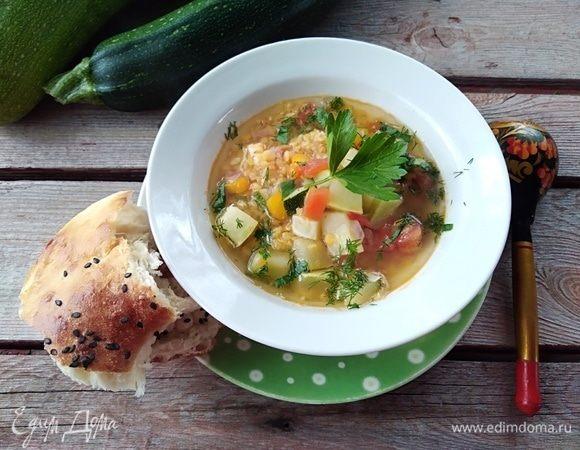 Кабачковый суп с чечевицей