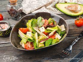 Салат из авокадо и феты с цитрусовой заправкой