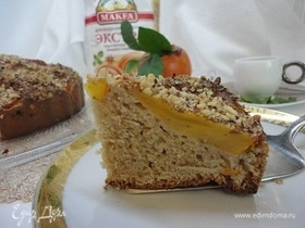 Пирог с хурмой и фундуком