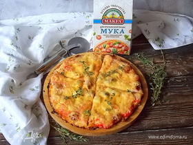 Пицца на сырном тесте с морепродуктами