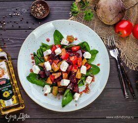 Салат со свеклой и шпинатом