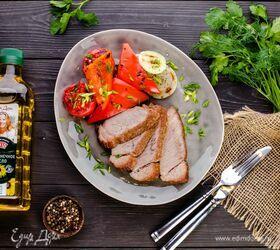 Мясо под маринадом, запеченное в духовке