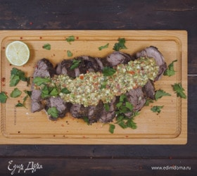 Маринованное в вине мясо, запеченное в зеленой соли
