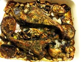 Запеченный скат с топинамбуром и грибами