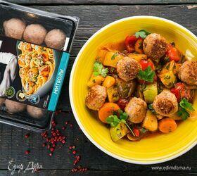 Митболы с овощным рагу