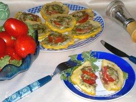 Патиссоны с помидорами и сыром