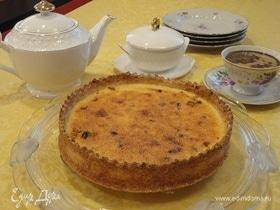 Сливочный пирог с финиками и кокосом