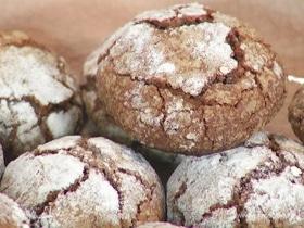 Шоколадное печенье с мраморной корочкой