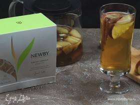 Зеленый чай с яблоком и корицей