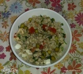 Салат из перловой крупы и овощей
