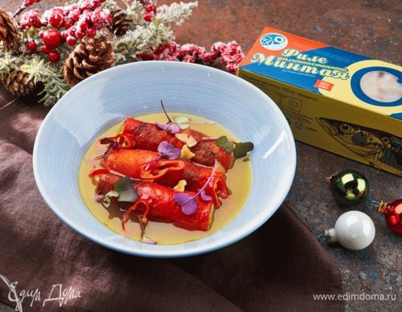Испанский перец, фаршированный минтаем и картофелем, под соусом пиль-пиль