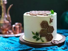 Шоколадный медовик с двумя видами крема