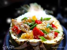 Стир-фрай с курицей, ананасами и рисом