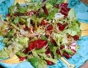 Салат с грецкими орехами и вишневой заправкой