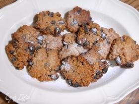 Домашнее овсяное печенье с черным изюмом