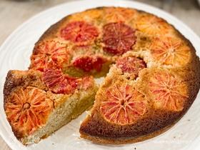 Пирог-перевертыш с красными апельсинами