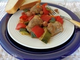 Овощное рагу с домашними колбасками