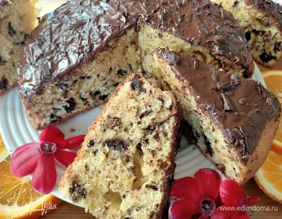 Пасхальный кекс с ароматом миндаля