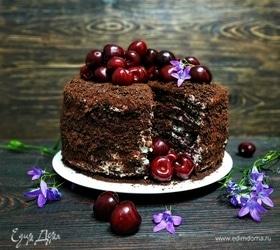 Шоколадный торт с пряной вишней