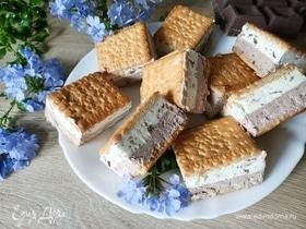Двухслойное мороженое с печеньем